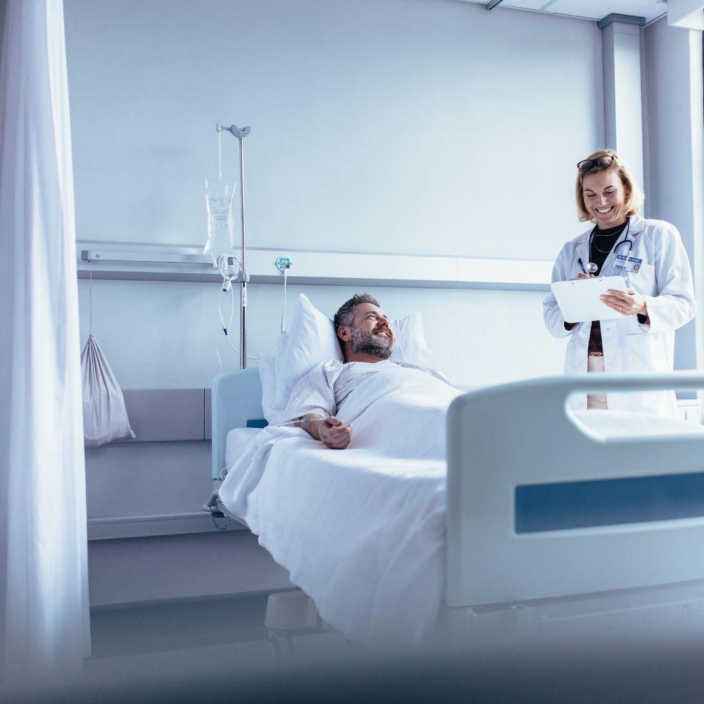 atención_segura_antimicrobial_salud